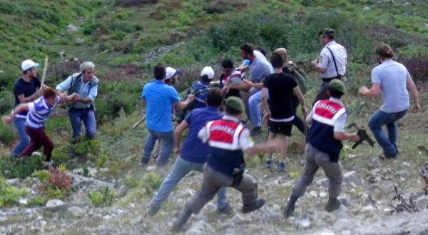 Rize'de 1200 Seçmeni Bulunan Köy, Sandığı Boykot Kararı Aldı