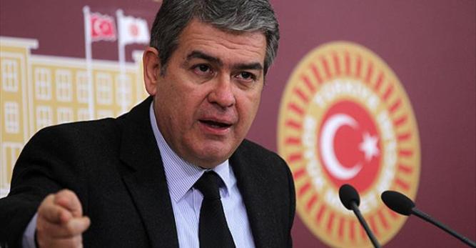Arhavili Hemşehrimiz Süheyl Batum'un Bahçeşehir Üniversitesi'ndeki İşine Son Verildi