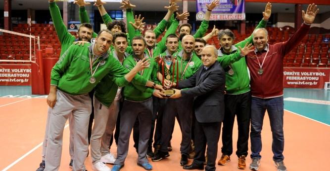 Arhavi Belediyesi GSK Erkek Voleybol Takımı 1. Lige Yükseldi