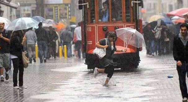 Meteoroloji Uyardı, Artvin'in Kıyı Kesimlerinde Şiddetli ve Aşırı Yağış Bekleniyor