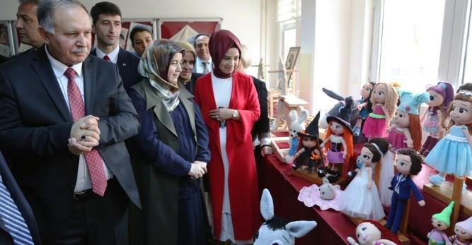 Arhavi Halk Eğitim Merkezi Yıl Sonu El Sanatları Sergisi Açıldı