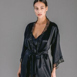 Short Kimono in black silk satin with Chantilly lace