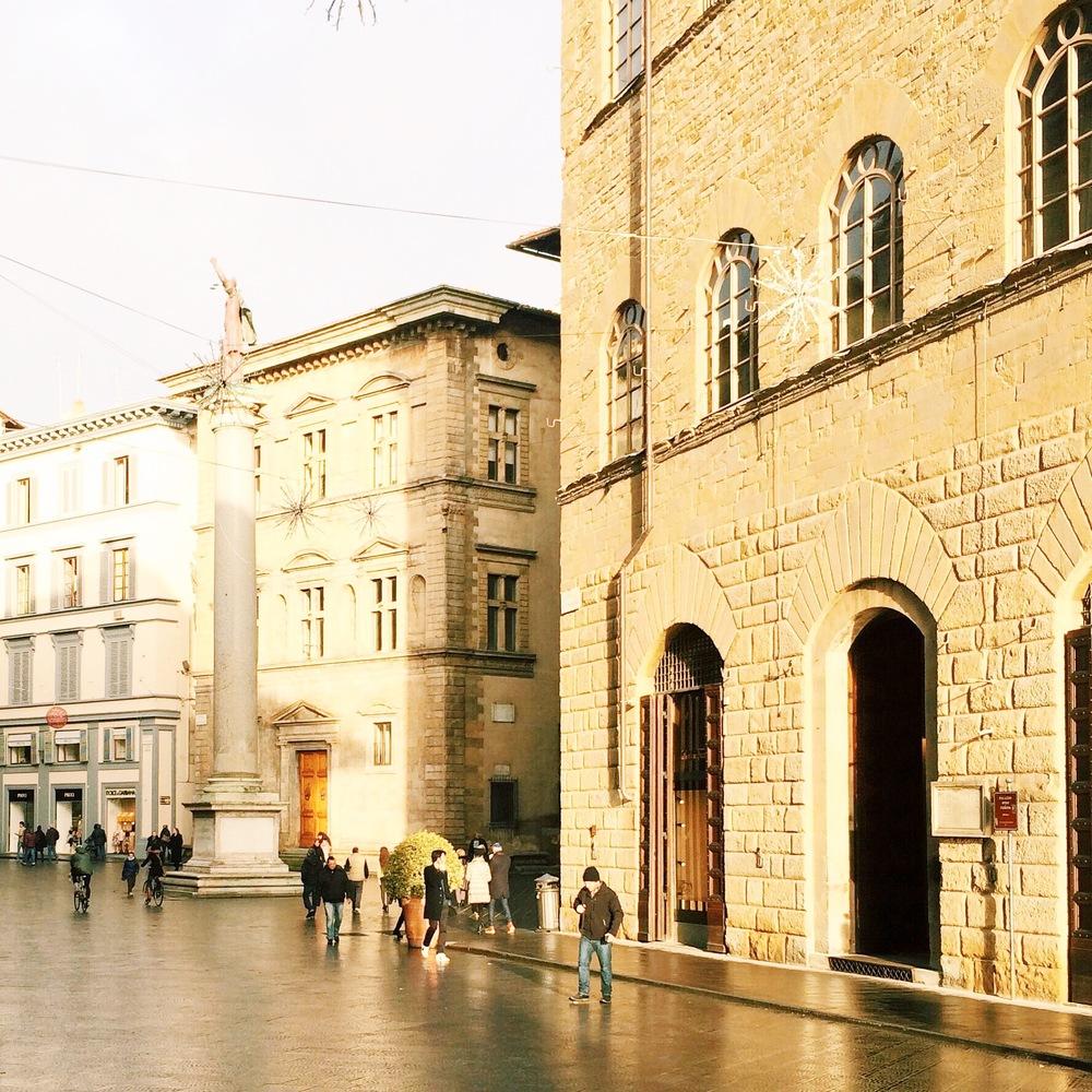 Piazza di Santa Trinita
