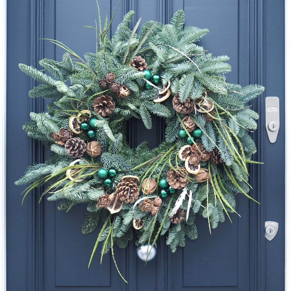 I may be a little biased but London certainly does do the best doors and especially around Christmas time. Pretty doors with a festive incentive always get ... & Top UK Interiors Blogger London - Christmas Pretty Doors With Banham