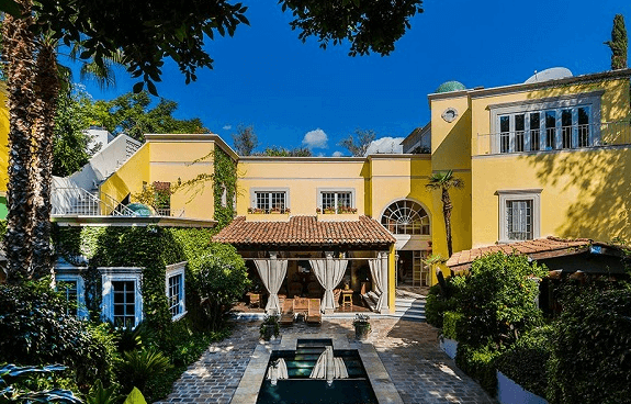 luxury-home-old-charm