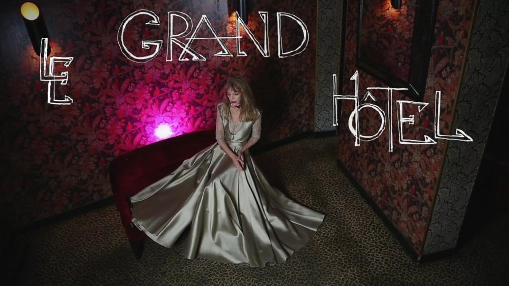 """Clip """"Le Grand Hôtel"""" d'Arielle Dombasle & Nicolas Ker"""