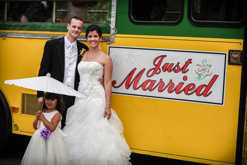 Trolley Weddings in Chicago