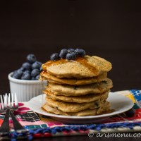 Drink & Dish: Blueberry Pancakes {with video!}