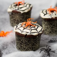 Drink & Dish: Spider Web Cupcakes