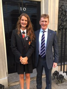 jessica-leigh-m6lpj-with-tim-peake-gb1ss-credit-richard-found