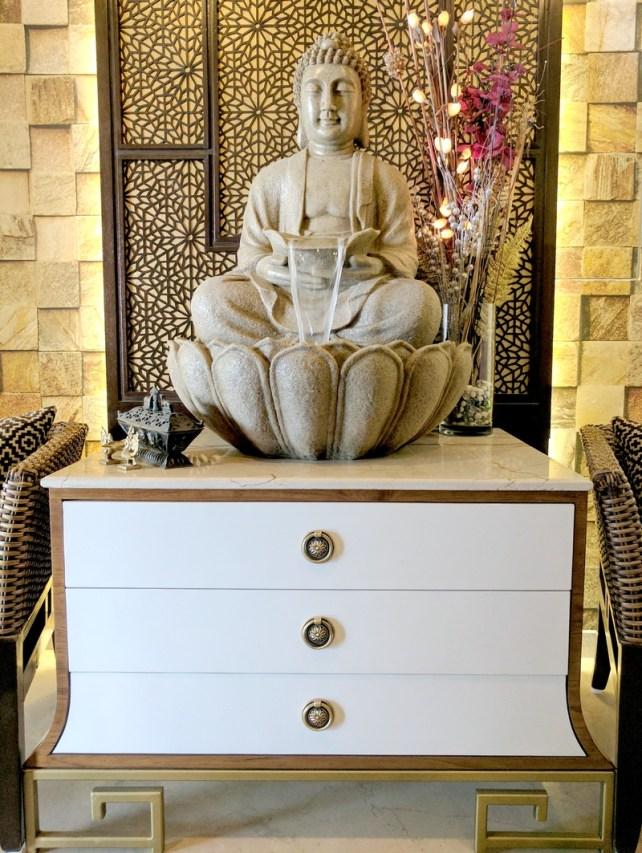 Oriental Foyer Design with Buddha
