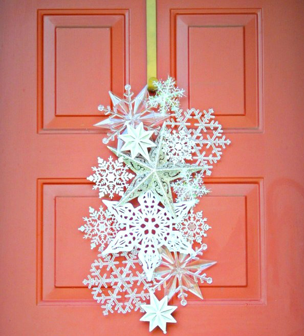 20 Cute and Easy Christmas Decor Ideas - Snowflakes