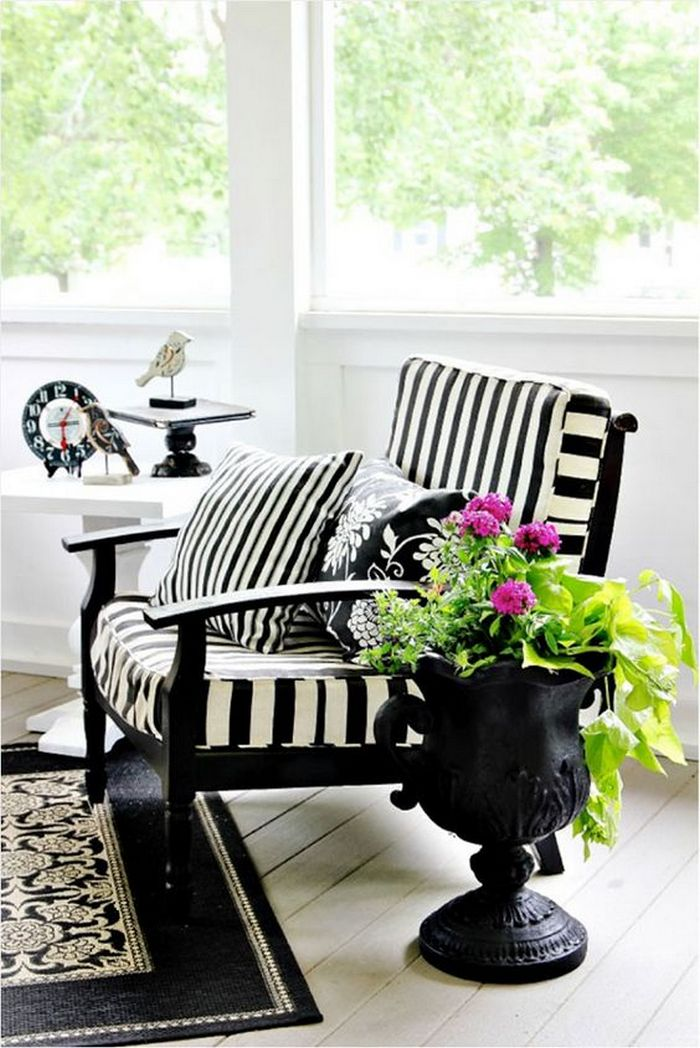 How To Decorate With Black and White Stripes