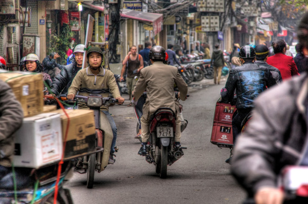 Hanoi: Negotiating the crowd