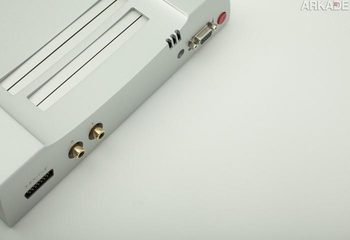 """Este NES lindão de alumínio pode ser seu por """"apenas"""" 500 dólares"""