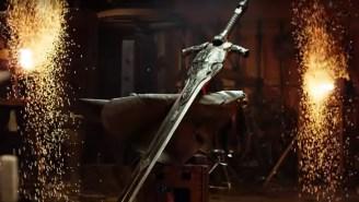 Réplica da Grande Espada de Artorias, criada pelos ferreiros do Man At Arms