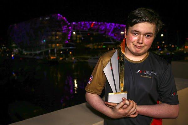 Fórmula 1 conheceu o seu primeiro campeão mundial de eSports