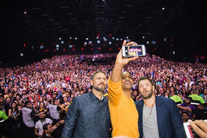 CCXP 2017 - Will Smith anda pelos corredores disfarçado e promove Bright, da Netflix