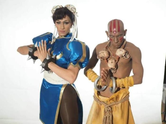 Esta batalha entre cosplayers de Street Fighter II é uma das coisas mais legais que você vai ver hoje