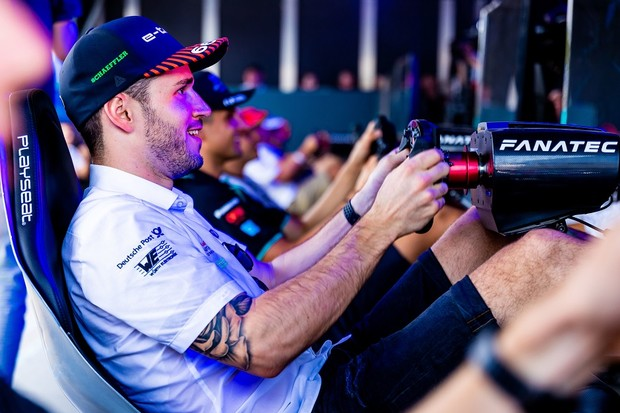 "Audi demite piloto da Fórmula E que contratou ""impostor"" para corrida virtual"