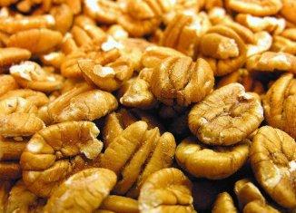 Expert: Chinese trade, bad weather hurt Arkansas' pecan crop