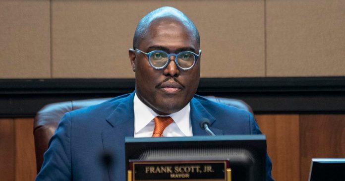 Mayor Scott's deficit problems include his campaign account - Arkansas Times