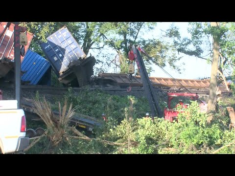Watch: Train derailment blocks lane of highway in Crittenden County