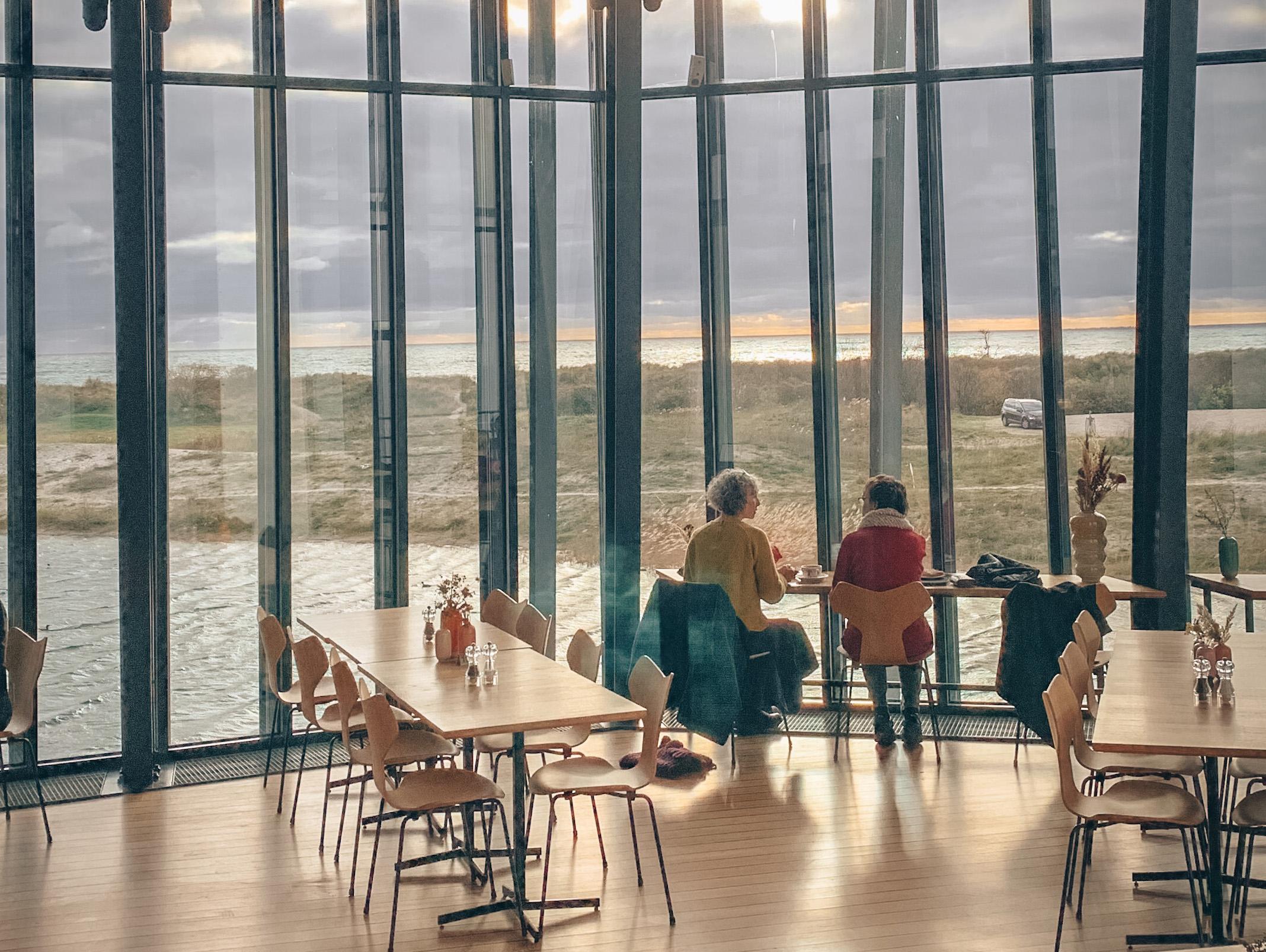 TRYGT MUSEUMSBESØG PÅ ARKEN
