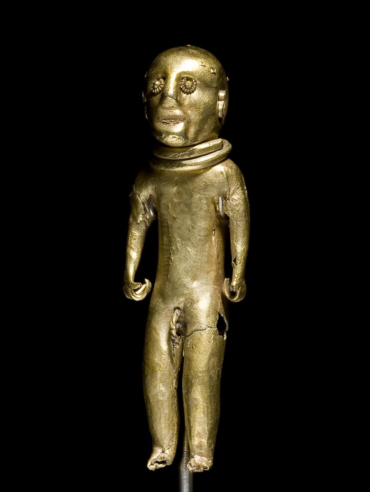 Figur fra Slipshavn Skov, 500 f.Kr – 1050 e.Kr. Nationalmuseet. Foto: Roberto Fortuna og Kira Ursem