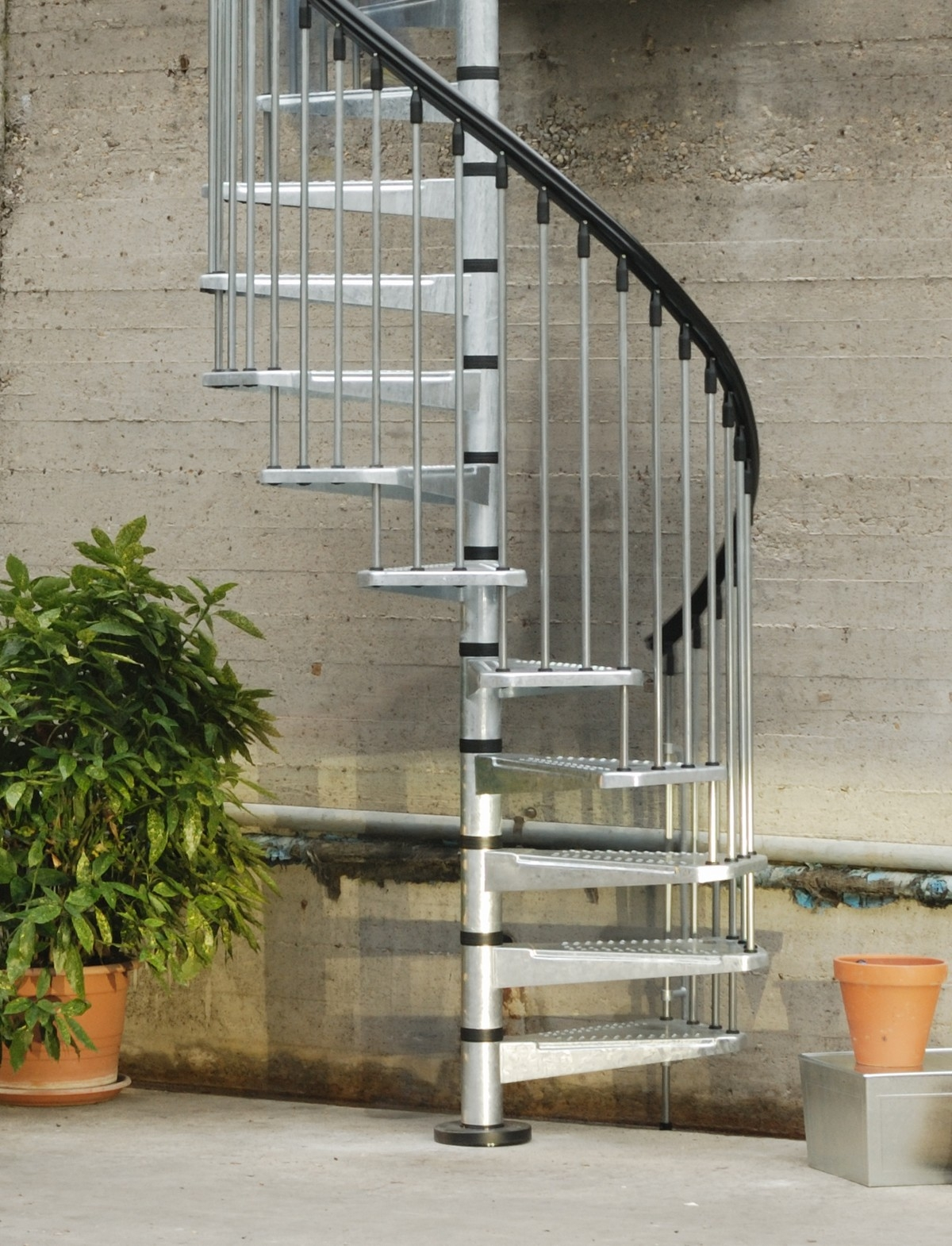 Metal Outdoor Spiral Staircase Exterior Stairs | Outdoor Spiral Staircase For Deck | 36 Inch Diameter | Small Footprint | Steel | Balcony Outdoor | 2 Story