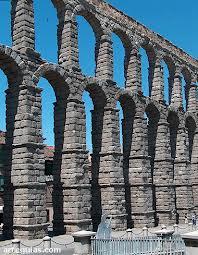 Acueducto de Segovia, una de las joyas de la arquitectura romana en España.