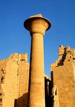 capiteles de papiro