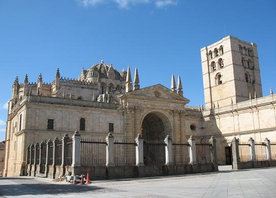 Catedral romanica de Zamora, España.