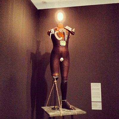 Escultura de George Grosz /John Heartfield  El conformismo convertido en una escultura salvaje eléctromecánica, 1920.