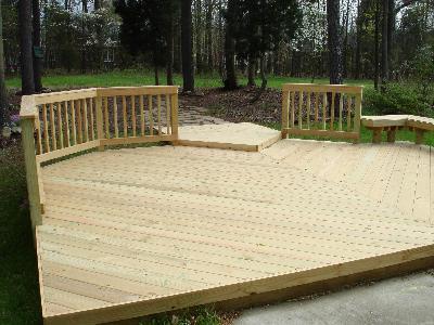 Deck de madera a presión.
