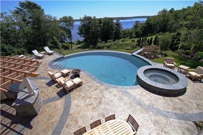 Dise o y construcci n de piscinas for Disenos de piscinas con jacuzzi