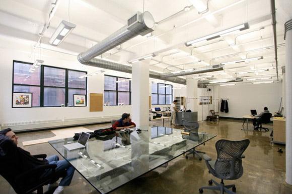 Oficinas modernas creativas y peque as arkiplus for Oficinas modernas minimalistas