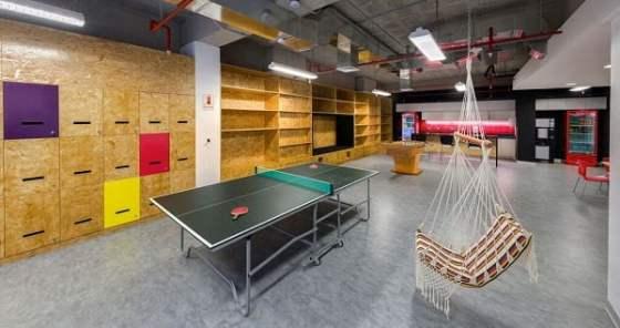 Dise o de interiores de oficinas modernas arkiplus for Diseno de oficinas modernas en casa