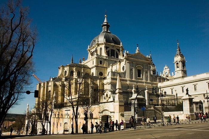 Catedral-de-la-almudena2