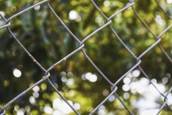 Diamond mesh patterns take after diamond wired fences. Adopting industrial styles helps to give a twist to otherwise classic looks.