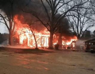 Arkansas fire 03.07.18_1520436651639.PNG.jpg