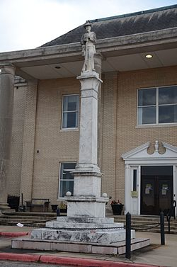 Pine_Bluff_Confederate_Monument_1556477406415.jpg