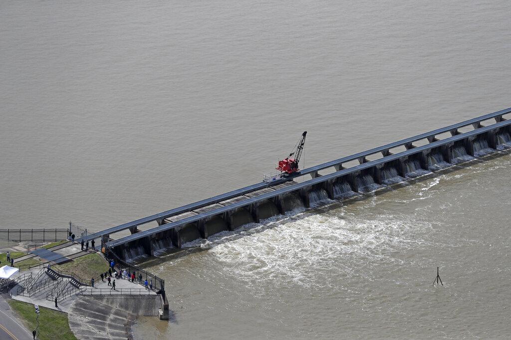 Rising Mississippi River_1557480325147