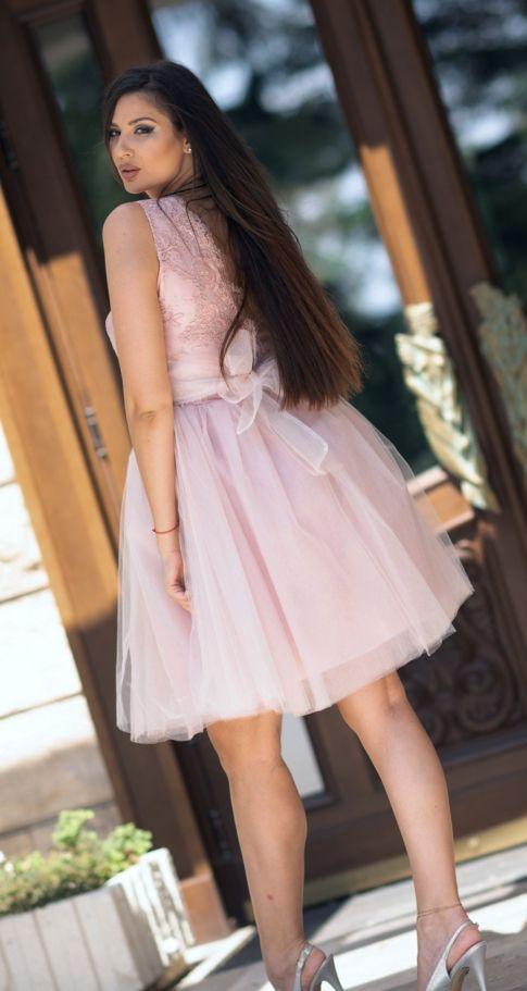 Дамска рокля с дантела и тюл Каприна