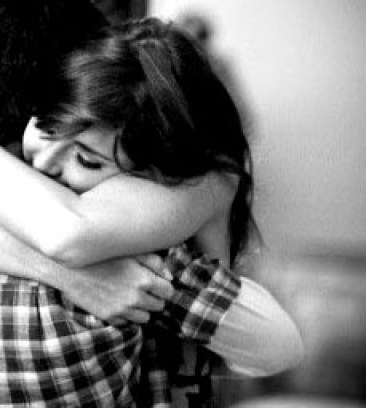 black-and-white-couple-cute-girl-hug-Favim.com-287472-450x300