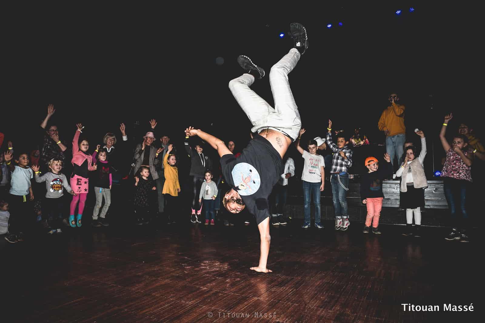 Photo Les Boumboxeurs - Stan danse le hip-hop
