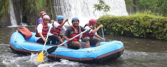 Rafting di Tealaga Waja - PT. Pos Indonesia