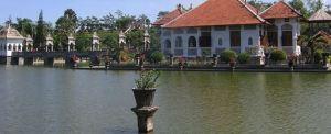 Outbound Bali di Taman Ujung Bangunan Utama