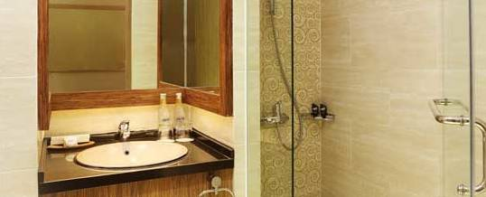 Rivavi Hotel Kuta Bath Room
