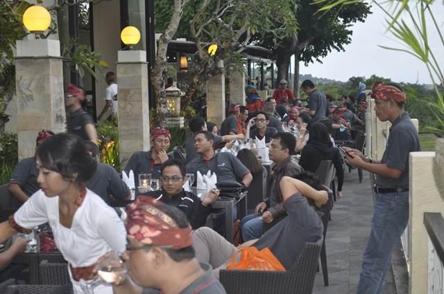 Outbound Bali Dinner GWK - Lintasarta 3